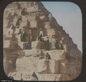 An English party ascending the Great Pyramid