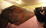 Laura Yntema, Nate D. Sanders Auctions, with Oswald's original coffin