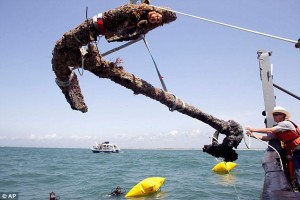Third largest anchor retrieved from Queen Anne&#039;s Revenge