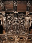 """Vase"" emblem of the Swedish royal family on the lower stern of the warship Vasa"