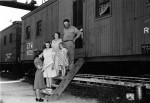 Enumerator records family living in a railcar for 1940 Census