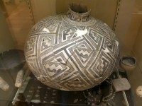 A previously discovered pot from the Mimbres subset of Mogollon culture, Deming Luna Mimbres Museum, Deming, New Mexico
