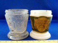 Jar found on Nikumaroro (l), Dr. Barry's Freckle Ointment jar (r)