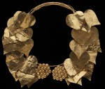 Macedonian gold wreath of ivy that inspired the museum's logo