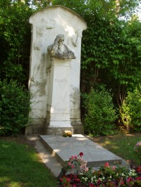 Brahms' grave, Viennese Central Cemetery