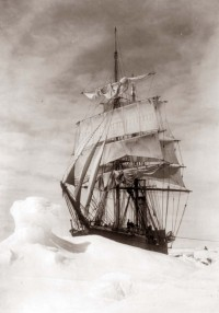 SS Terra Nova stuck in ice, 1910-1911