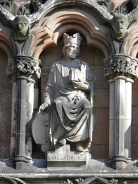 King Wulfhere sculpture on the west front of Lichfield Cathedral