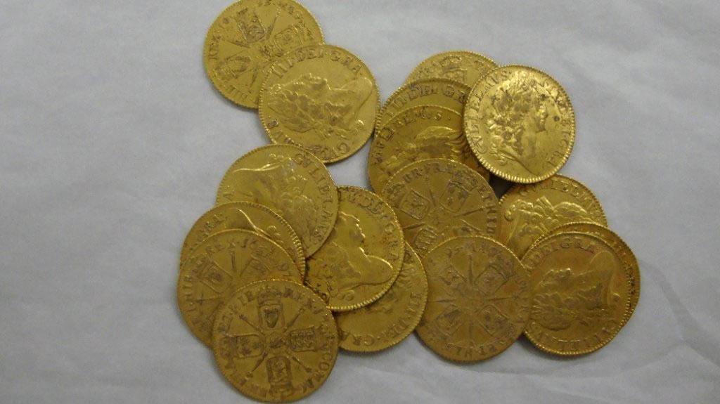 Северный казахстан находки золотых монет.