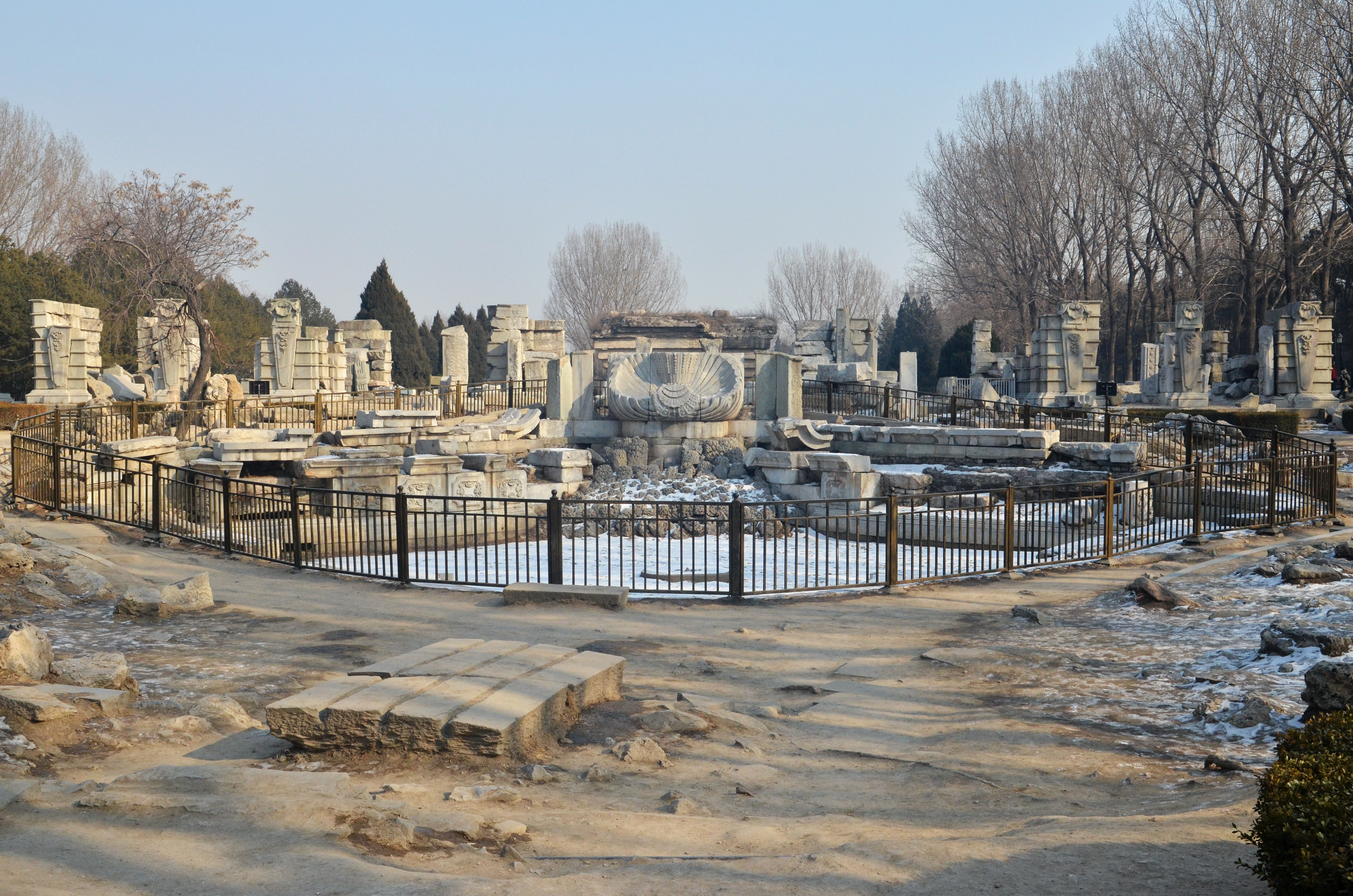 http://www.thehistoryblog.com/wp-content/uploads/2013/04/Ruins-of-Haiyantang-today.jpg