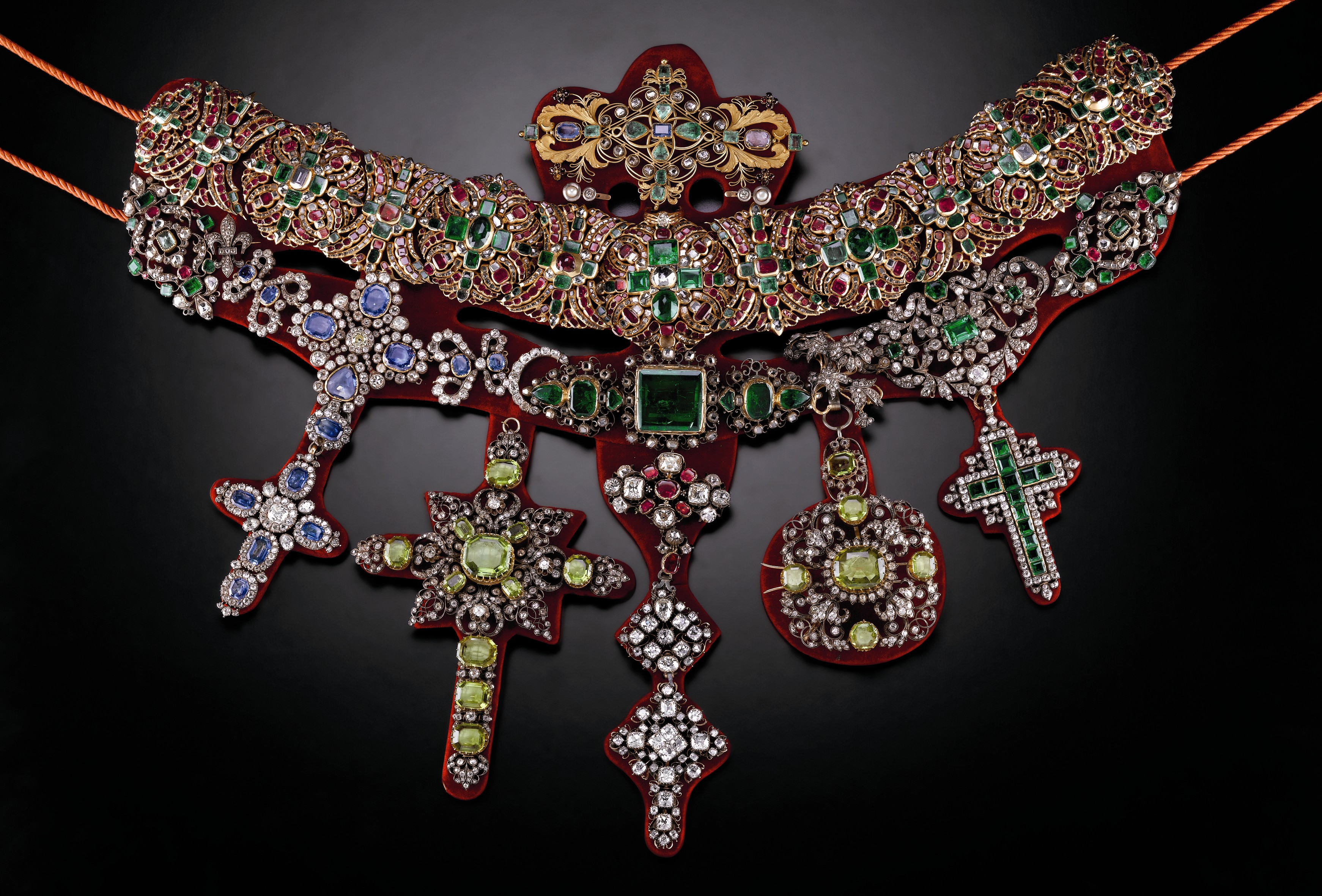 Necklace from the collection of San Gennaro