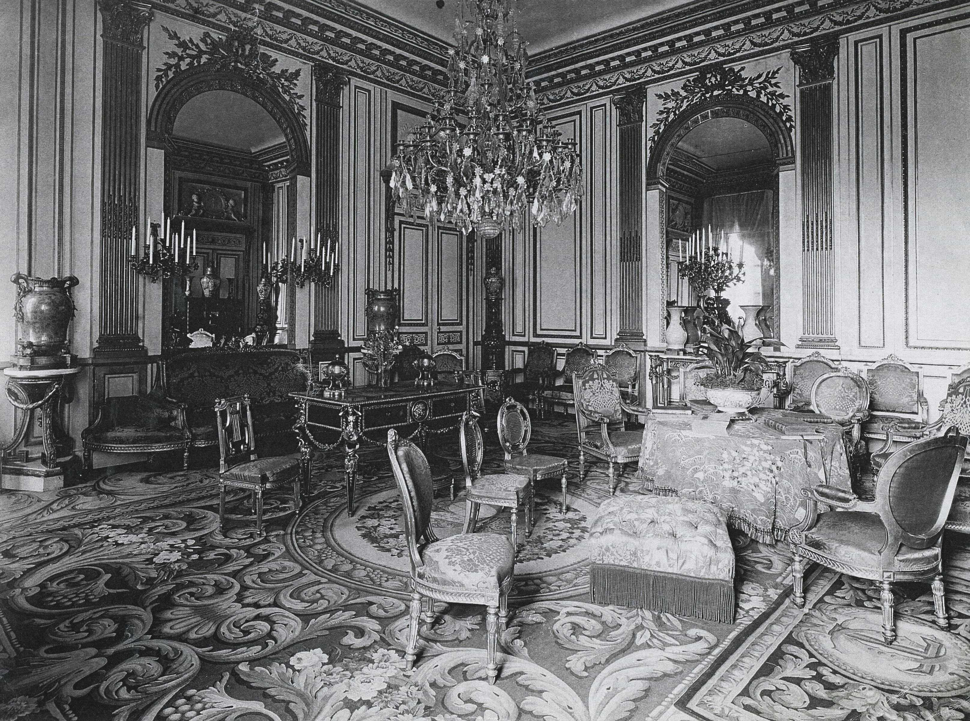 By the mid 19th century the hotel de la tremoille belonged for A french touch salon