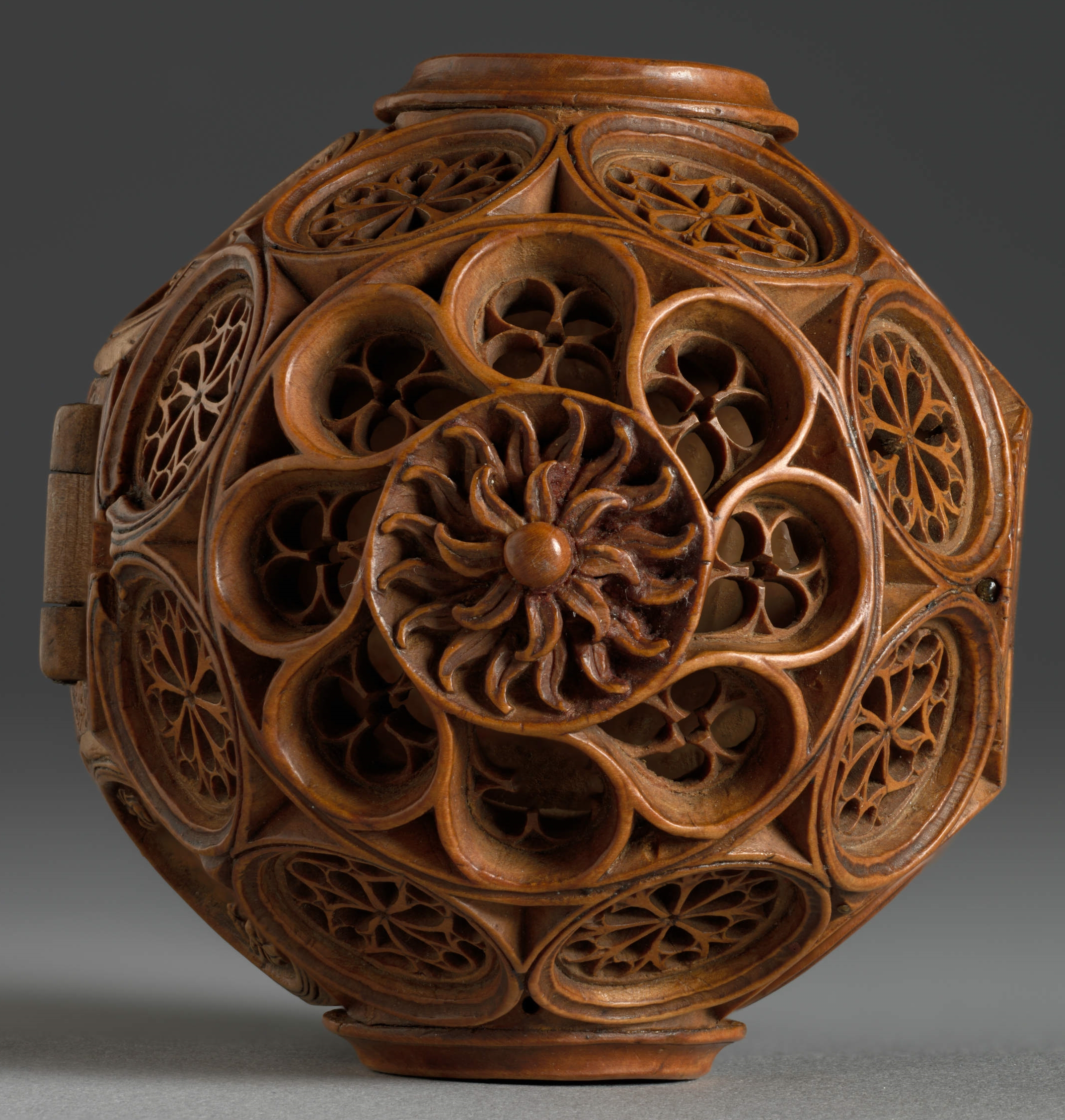 16th Century Miniature Boxwood