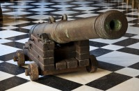 Cannon from the Nuestra Señora de Atocha at the Archivo General de Indias in Seville. Photo by Paul Hermans.
