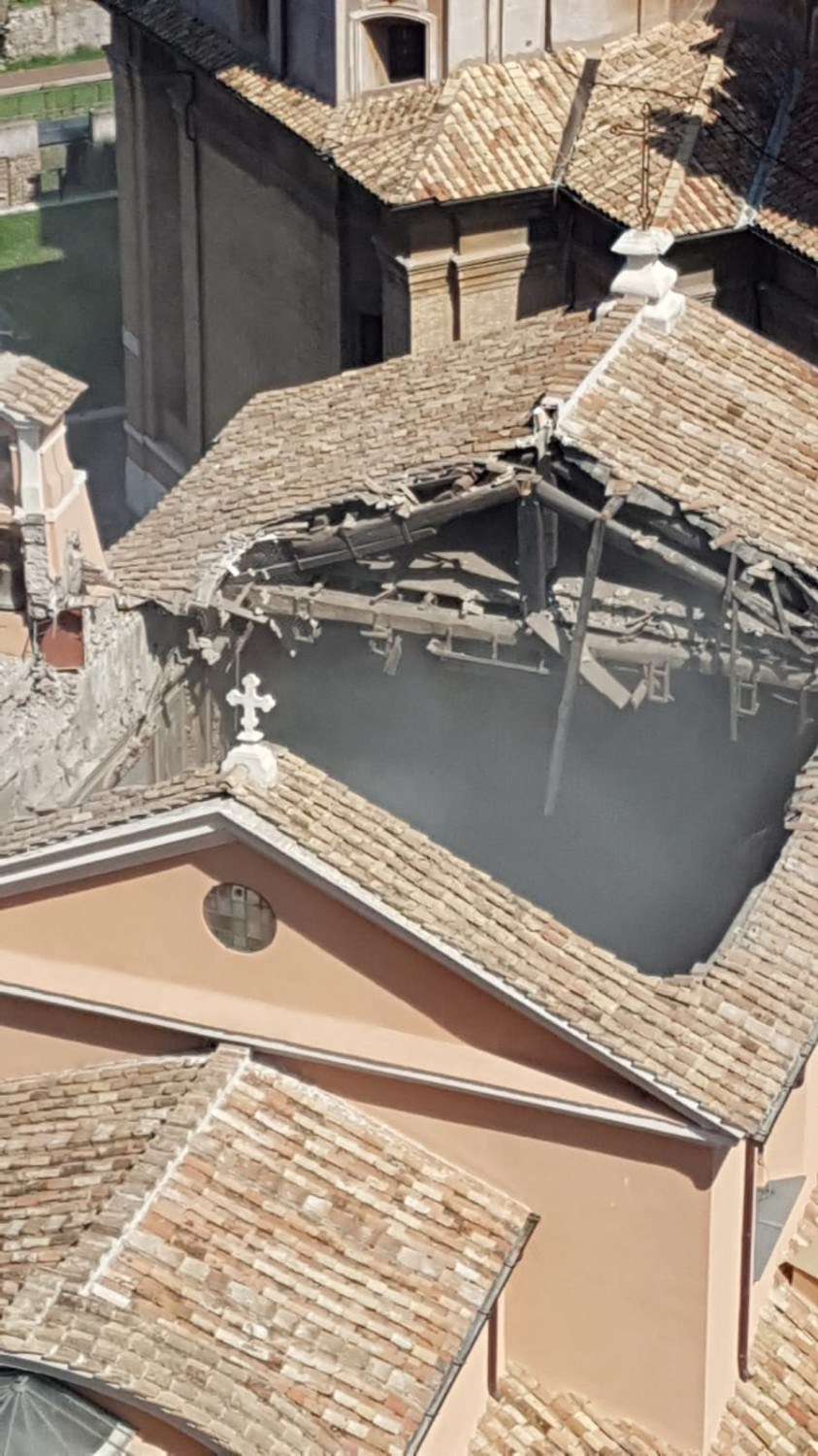 Roof of Mamertine prison church collapses