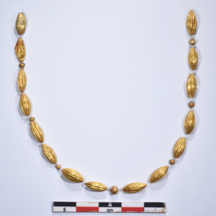 Gold bead necklace from the tomb. Photo courtesy EBSA, M. Anastasiadou.