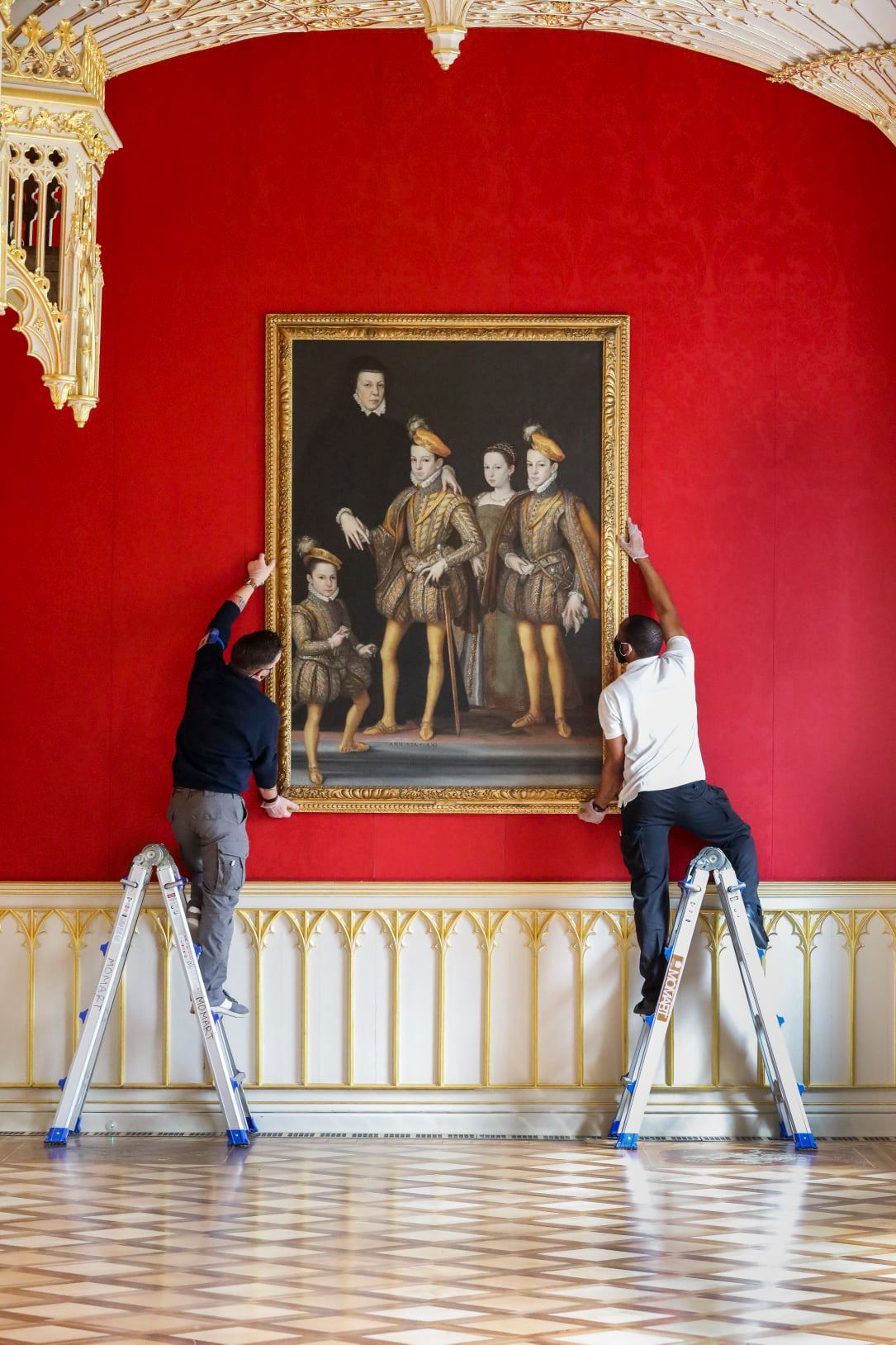 Catherine de' Medici returns to Strawberry Hill House